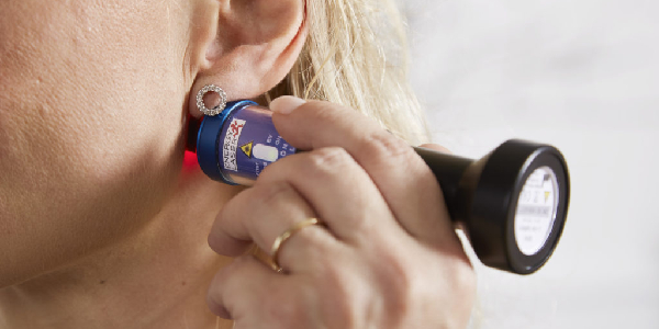 laser treats effective tinnitus and healing of wounds and pain relief